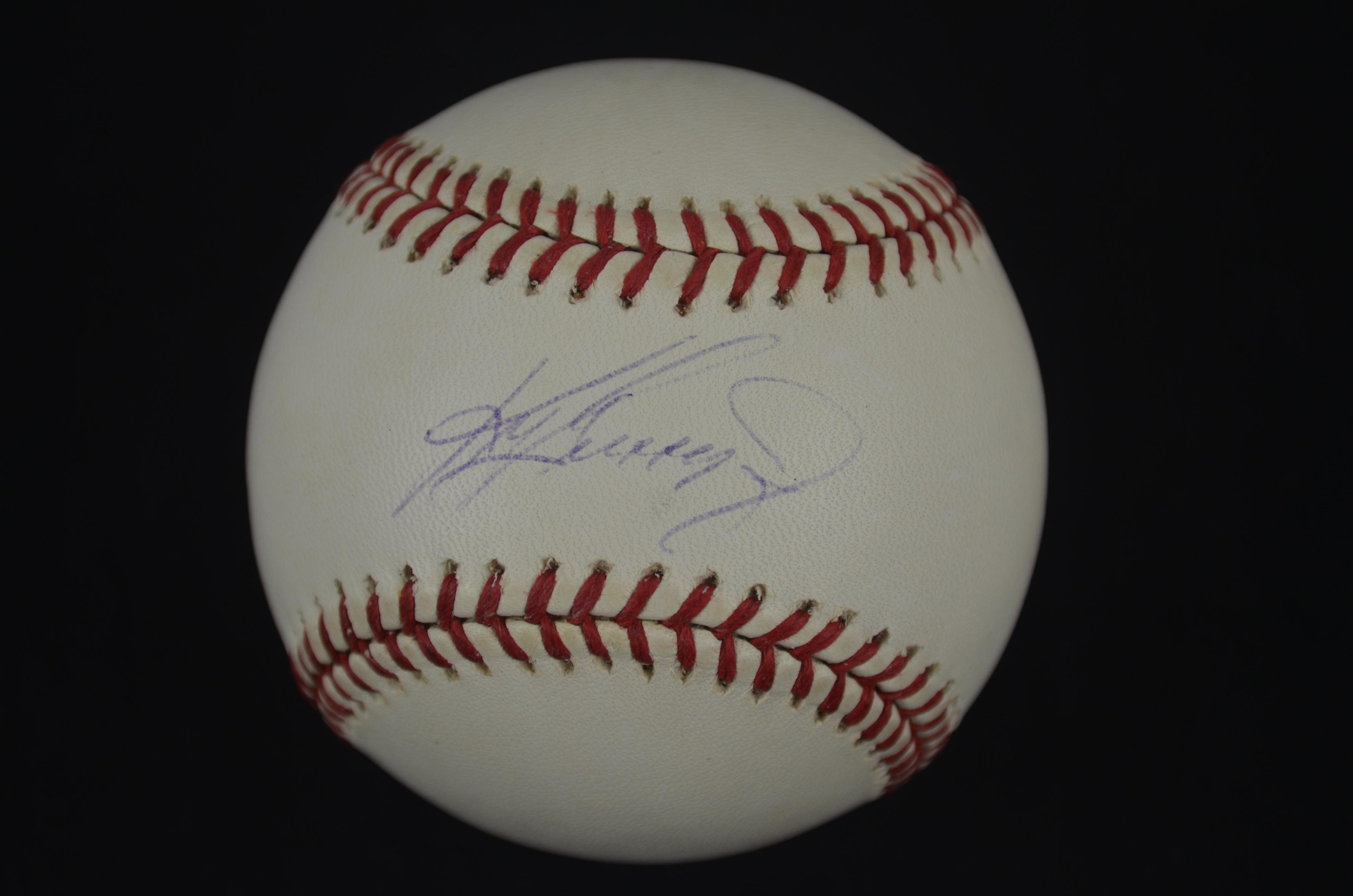 be1a014b79 Lot Detail - Ken Griffey Jr Autographed Baseball