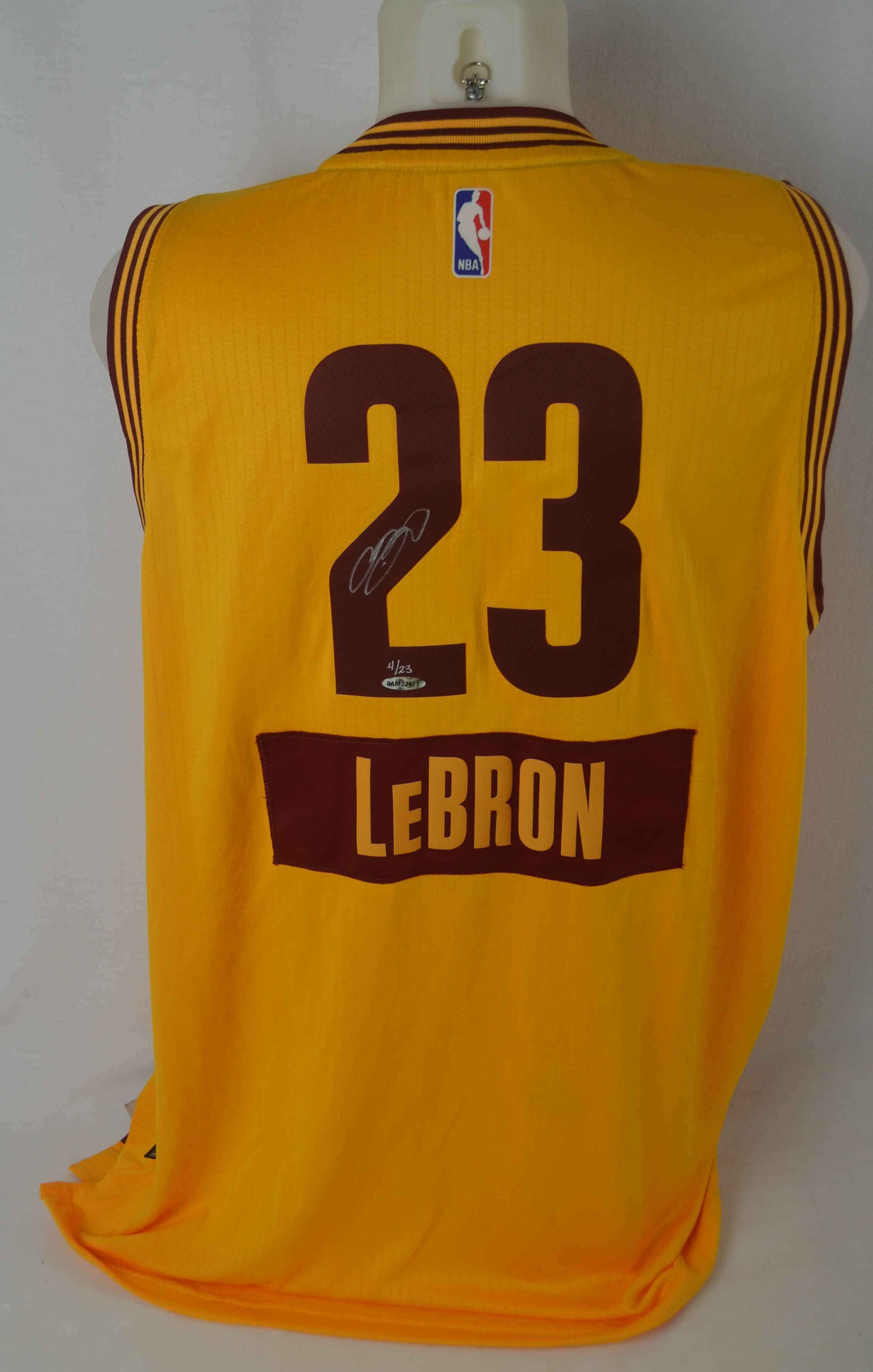 4783365cd LeBron James Autographed 2014 Cleveland Cavaliers LE Christmas Jersey UDA  ...